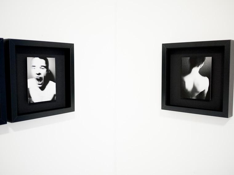 Exposition de Costa Obscura de Gilles Picarel dans le projet Corpus 4X à la galerie Auberkampf pour le mois de la Photo-OFF en 2012